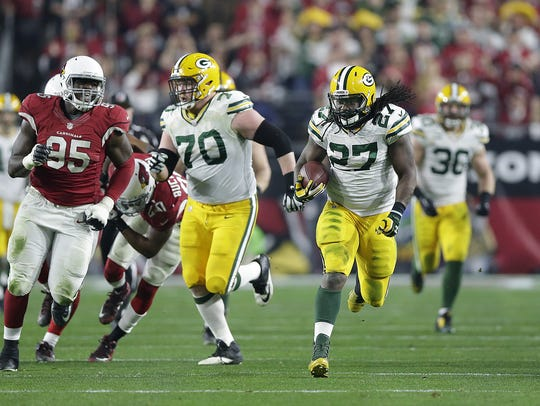 Green Bay Packers running back Eddie Lacy (27) breaks