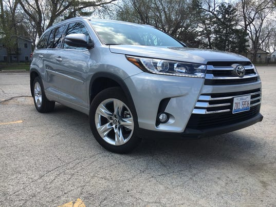 Auto review: 2017 Toyota Highlander isnít as fresh as the three-row competition