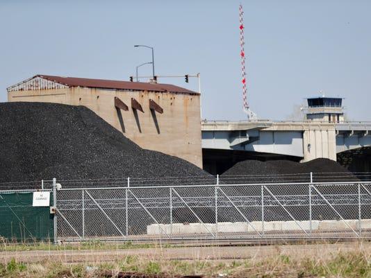 636620887500976652-Coal-pile.jpg