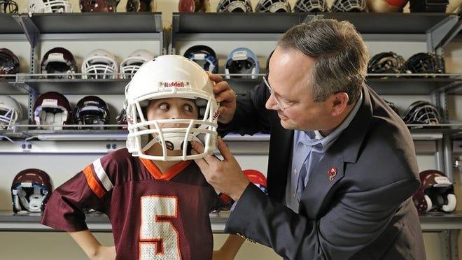 Stefan Duma, VT/WFU School of Biomedical Engineering and Sciences, Biomedical Engineering, research, lab football helmets