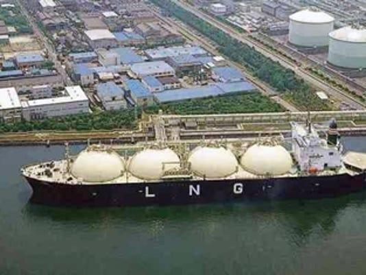 635796583301379535-lng-tanker