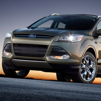 US probes complaints that some Ford Escapes overheat, stall