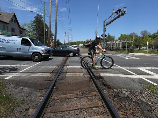 The Lake Road CSX railroad crossing in Congers.
