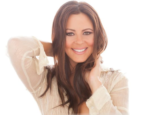 Sara Evans' new album 'Words' will be in stores July
