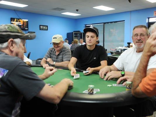 zan 1015 poker clubs 001.JPG