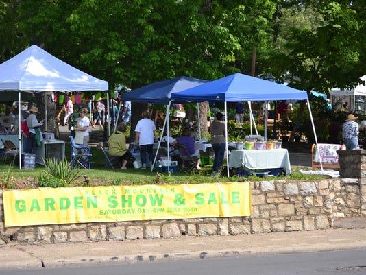 BMN 051916 Garden show