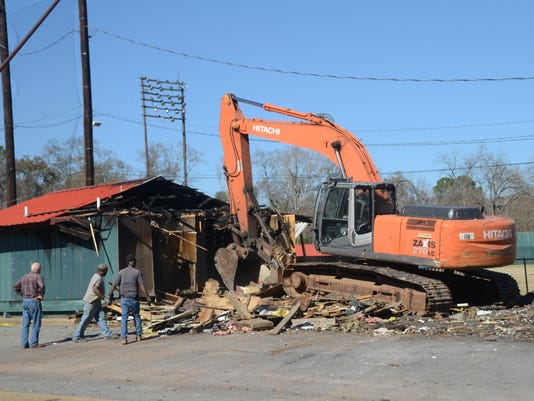 ANI Bringhurst Field Work crews were busy Wednesday, Jan. 28, 2015 tearing down the field house and offices at Bringhurst Field.-Melinda Martinez/mmartinez@thetowntalk.com The Town Talk Gannett