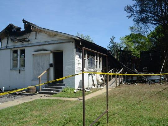 ANI Pineville Fire Fire on Main Street in Pineville Saturday, April 4, 2015. -Melinda Martinez/mmartinez@thetowntalk.com