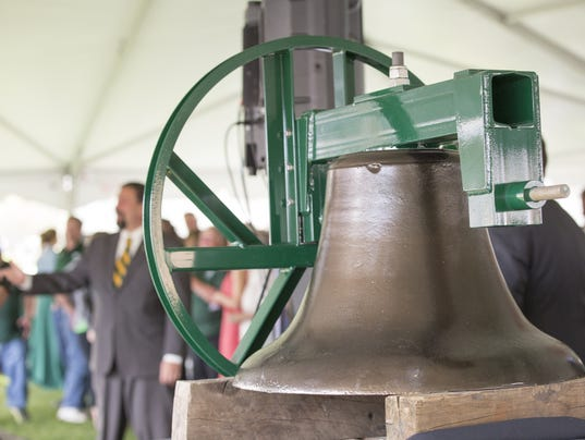 636282261124132086-FTC041817-Old-Main-Bell-9.jpg