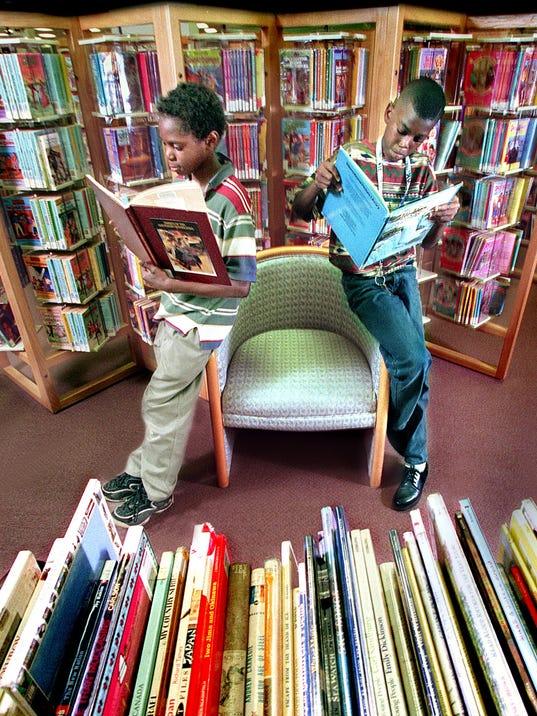 1 - kids reading