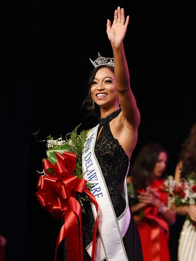 Chelsea Bruce, Miss Newark, is crowned Miss Delaware