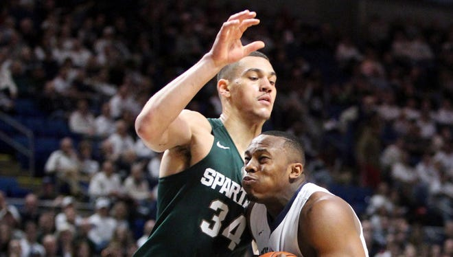 Michigan State forward Gavin Schilling defends against Penn State on Jan. 10, 2016.