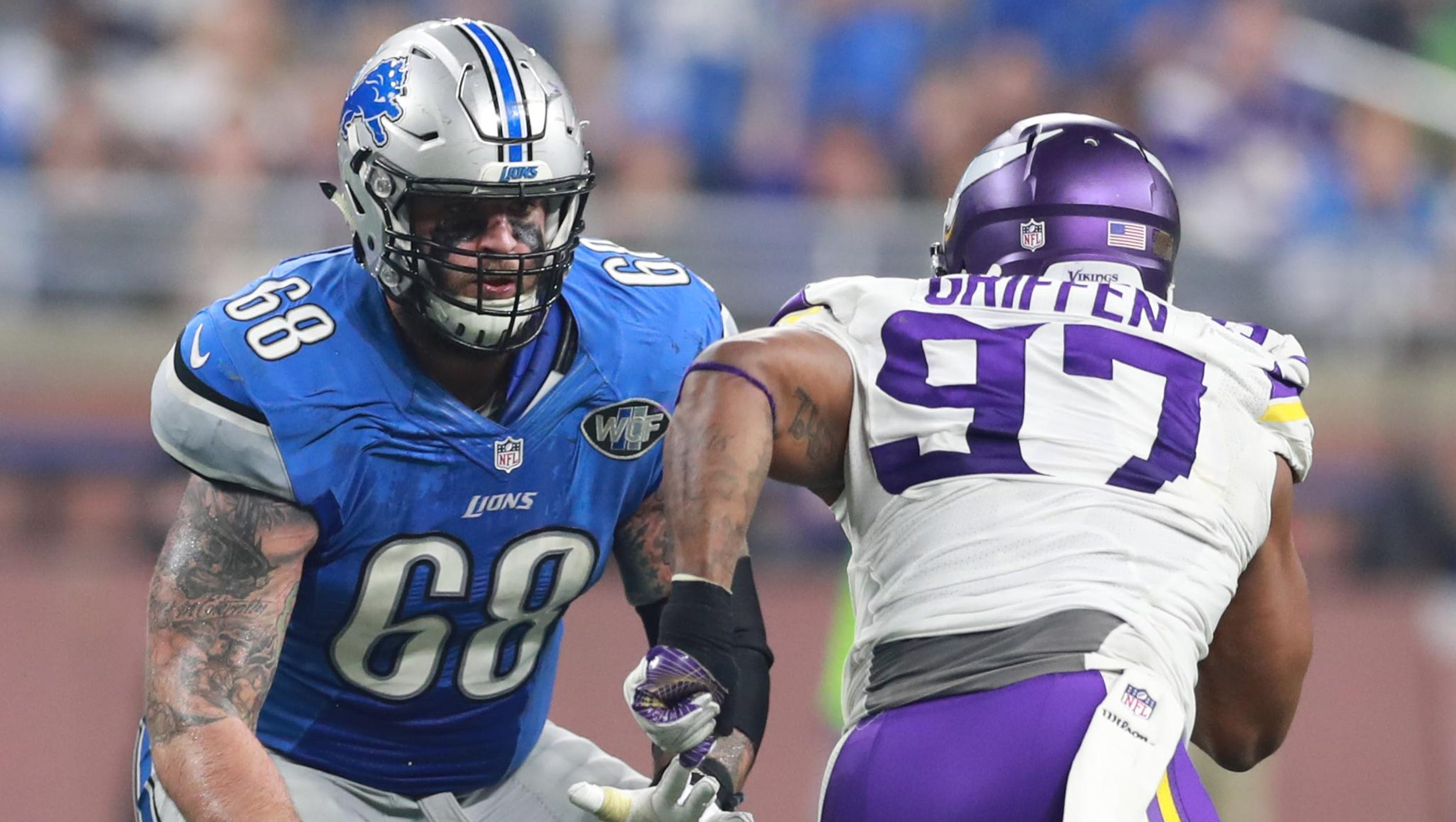 57e506df2 Lions offensive tackle Taylor Decker suffered a torn labrum, according to  an NFL Network report, and is expected to be out of the lineup the next  four to ...