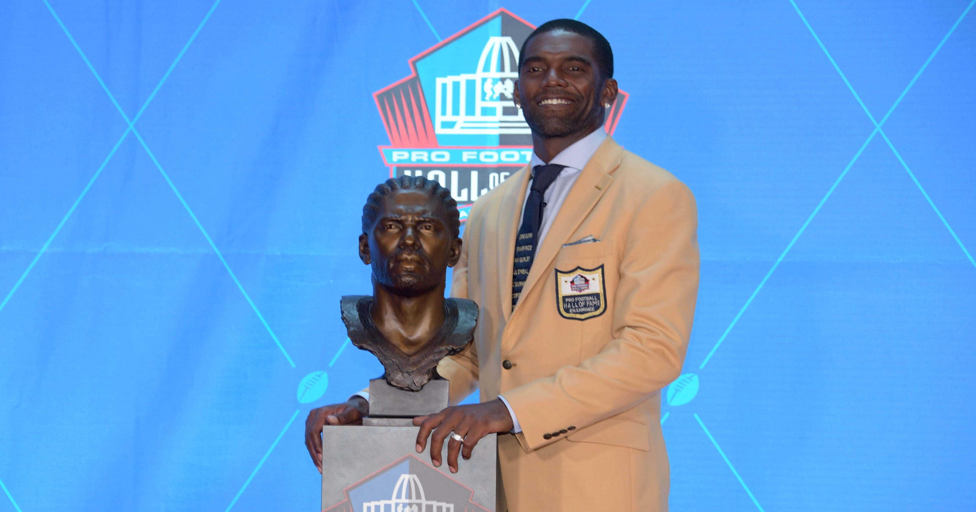 promo code 34586 e97ee Hall of Fame: Randy Moss honors slain African-Americans with tie