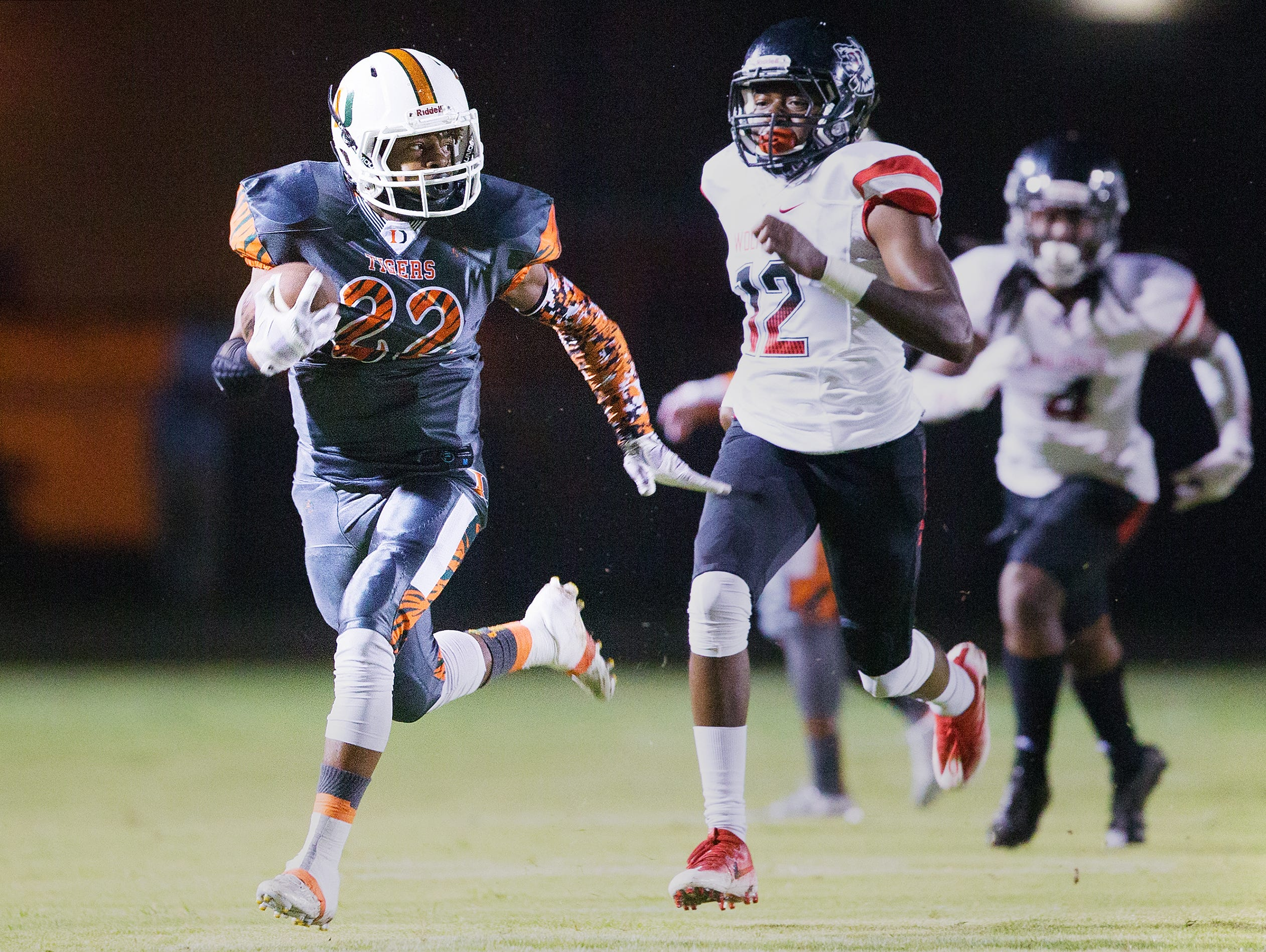 Dunbar can gain a leg up in the race for a postseason berth if it can knock off Immokalee Friday at home in The News-Press Game of the Week.