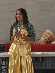 Ashley Smith-Comanche, seventh grade contestant introduces
