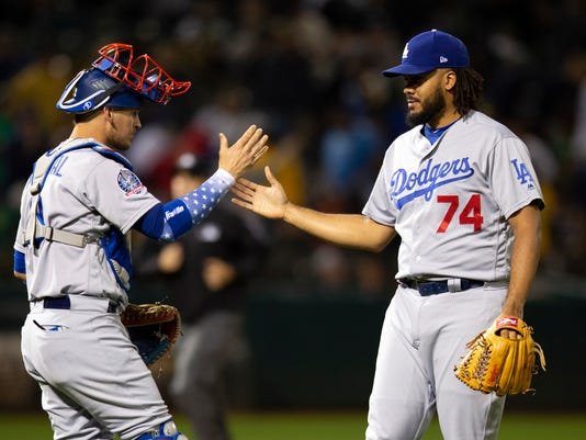 Dodgers_Athletics_Baseball_96652.jpg