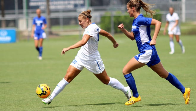 Tabby Tindell dribbles the ball towards the goal during the Eagles' game against CSU Bakersfield Sunday afternoon.