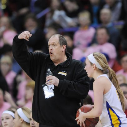 Former Mukwonago girls basketball coach Todd Frohwirth dies at age 54