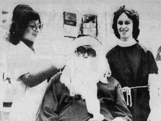 636608656145734097-santa-at-oakdale-dec-4-1977.jpg