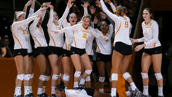 Tennessee volleyball player have created sideline routines to enhance the team's energy.