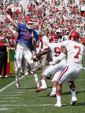 Blake Bell could be Oklahoma's starting quarterback. So could redshirt freshman Trevor Knight.