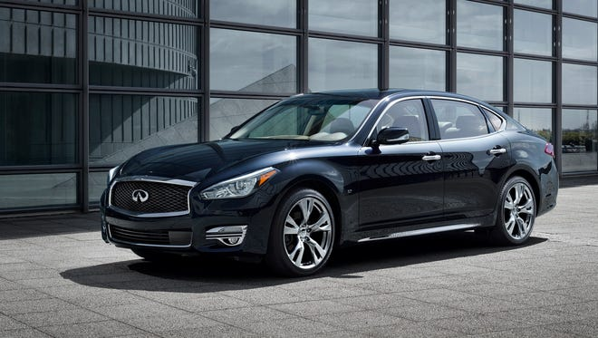 With a fresh new exterior and available long wheelbase version, the new 2015 Infiniti Q70 targets a new vehicle class by fusing the emotion-packed character of a performance vehicle with the comfort and exclusiveness of an extended sedan.