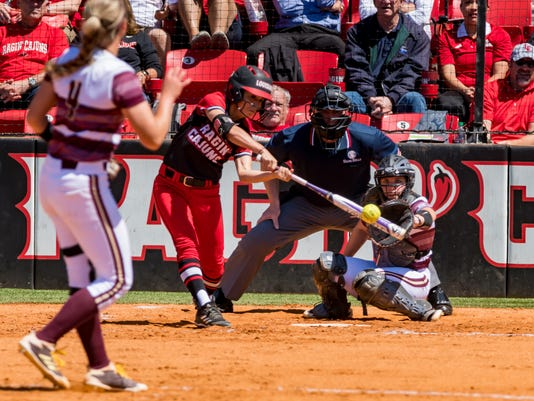636594887436449419-Cajuns.Texas.Softball.monday-04.16-3658.jpg
