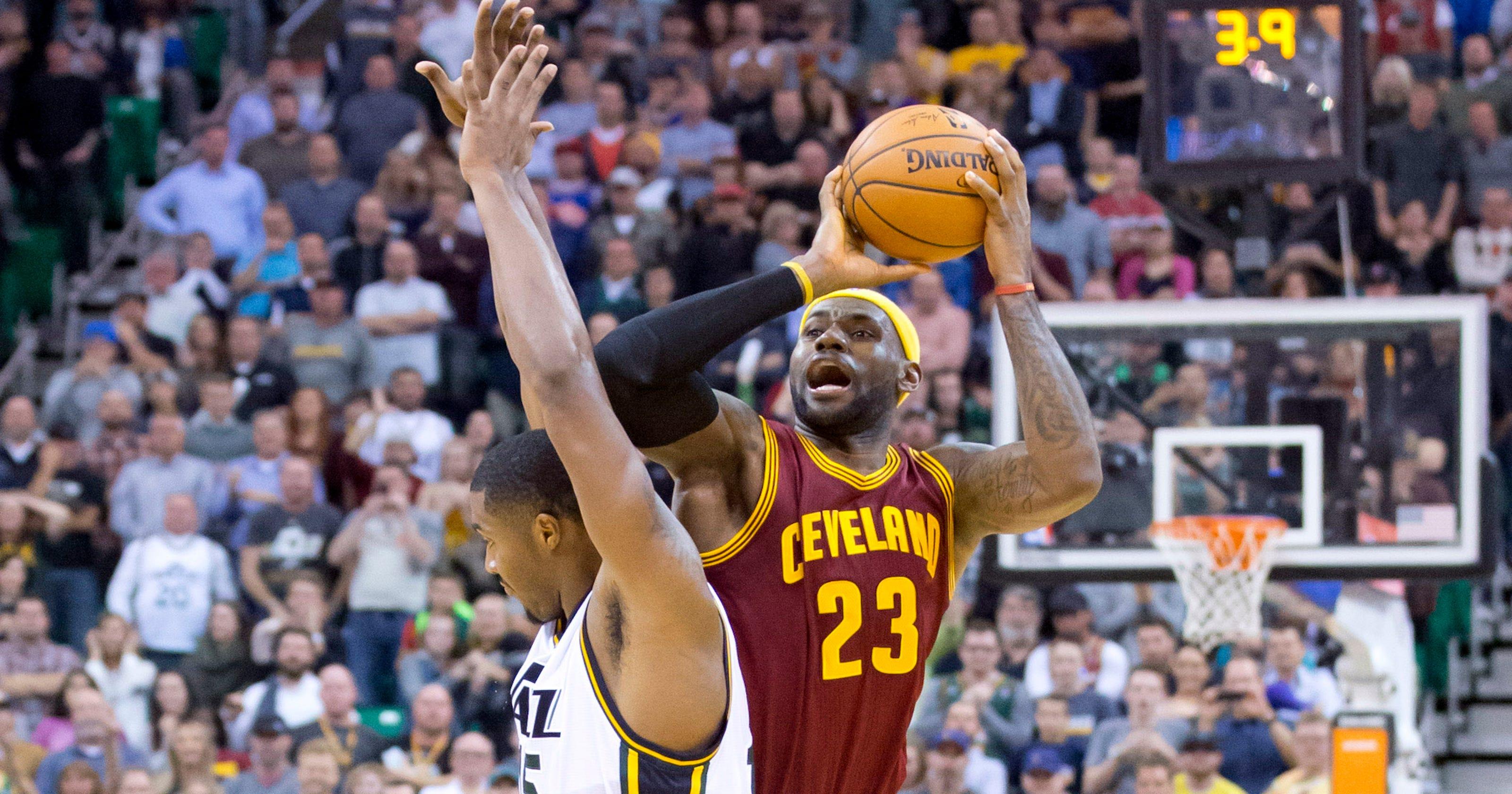 e8db0379a33 LeBron James  Cavaliers walk  fine line  as losses pile