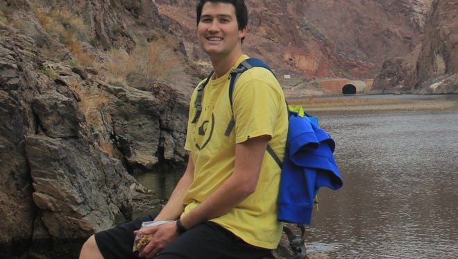 SUU Graduate Dallin Duncan is heading to dental school after receiving a full scholarship from the U.S. Army.