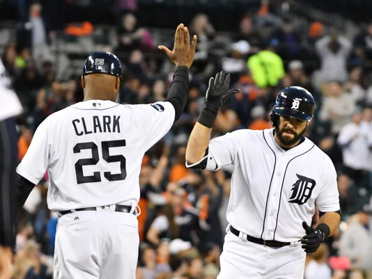 2017-0425-rb-tigers-mariners593