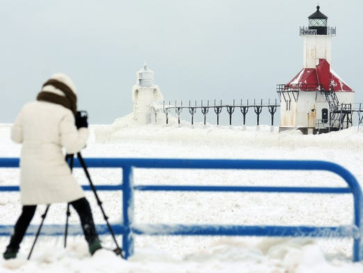Arresting Photos Of Mich Lighthouse Go Viral