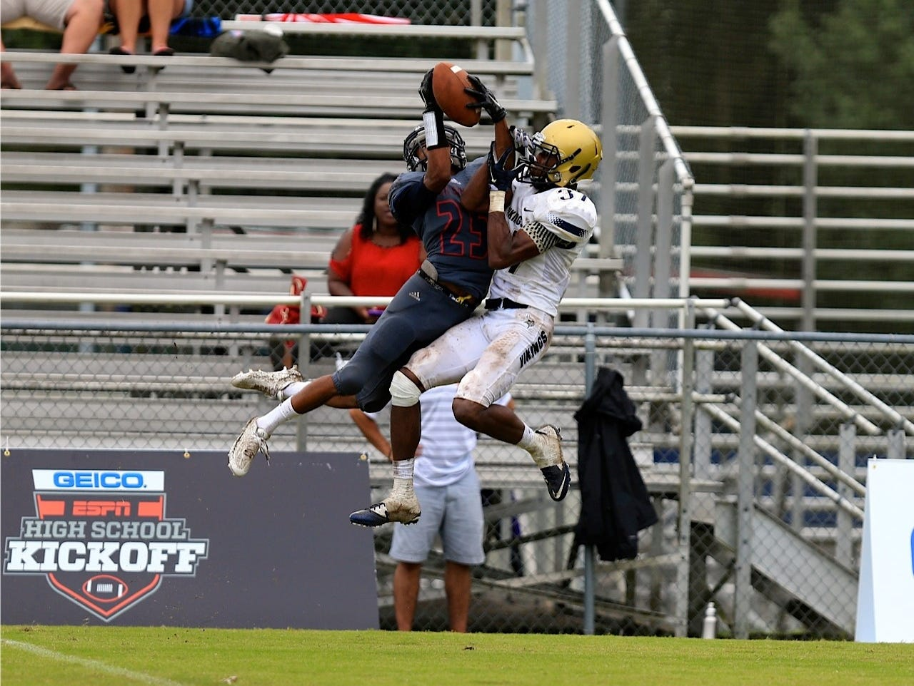Wakulla receiver Kelton Donaldson goes up and gets the ball to make a spectacular catch in Saturday's game against Spartanburg.