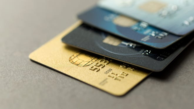 Identity thieves are well aware this may be their last shopping season before more secure EMV chip cards are widely used.