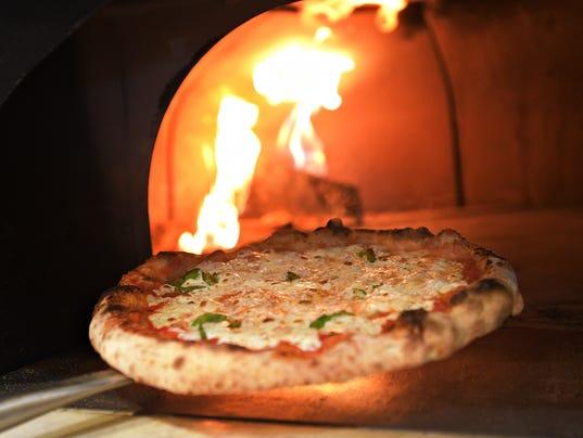 636295126374019260-FTC050417-JJs-wood-fired-pizza-06.JPG