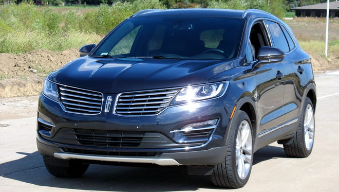 2015-Lincoln-MKC-premium-utility-vehicle