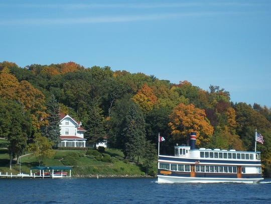 Several boat tours and cruises are available throughout