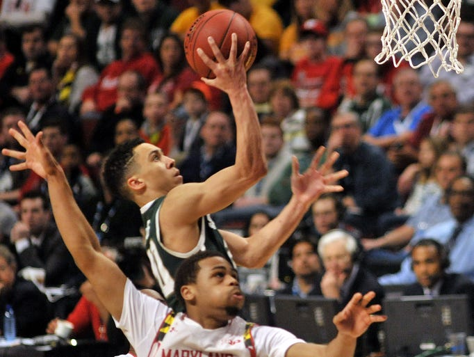 Travis Trice takes a steal coast-to-coast for two points