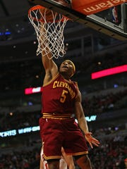Kevin Jones of the Cleveland Cavaliers dunks against