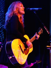 Nancy Wilson of Heart performs with Liz Warfield at
