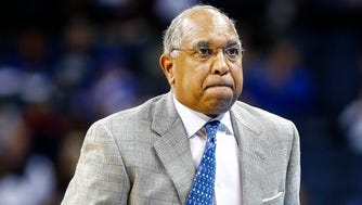 University of Memphis head coach Tubby Smith reacts to action against University of Connecticut at the FedExForum.