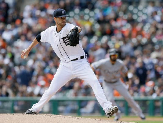 Detroit Tigers starting pitcher Shane Greene throws during the first inning of a baseball game against the Chicago White Sox, Sunday, April 19, 2015, in Detroit. (AP Photo/Carlos Osorio)