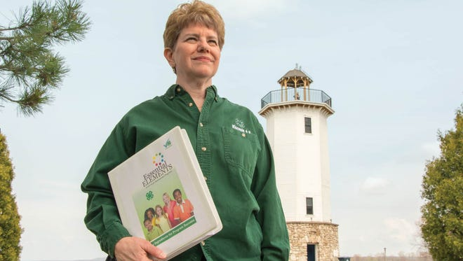 UW-Madison alumna Denise Retzleff is the 4-H youth development educator in Fond du Lac County.