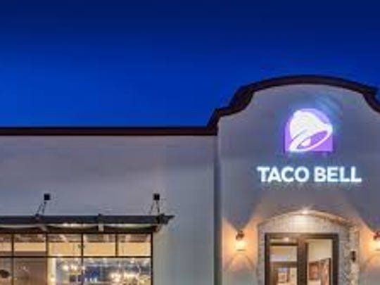 The outside of a Taco Bell restaurant.