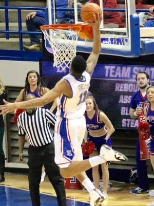 Louisiana Tech's Xavian Stapleton throws down a one-handed dunk in Thursday's win over Southern Miss.