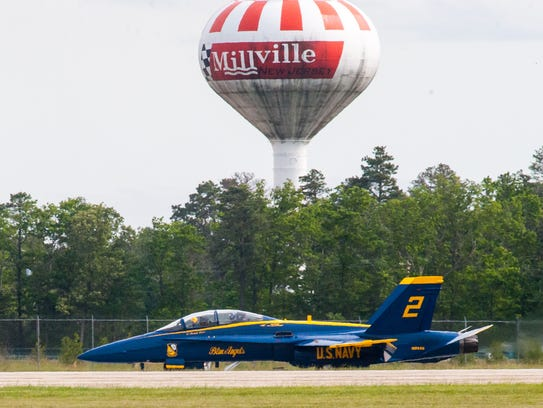 Blue Angel No. 7 U.S. Navy Lieutenant Brandon Hempler