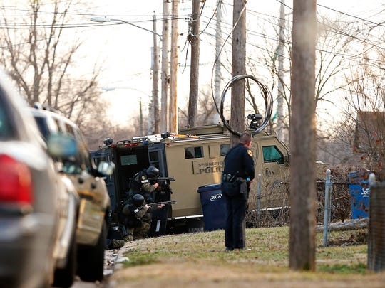 Springfield Police engaged in a standoff after attempting