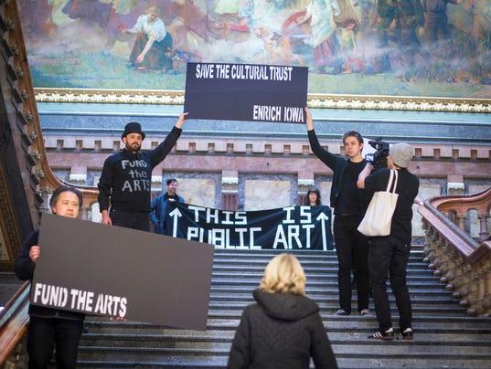 HF 118 defund culturaltrust fund