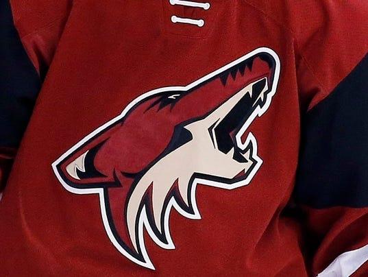 2016-08-24-coyotes-logo