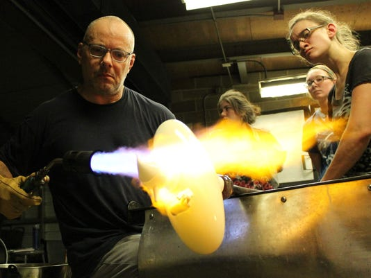 Hot glass program UWSP
